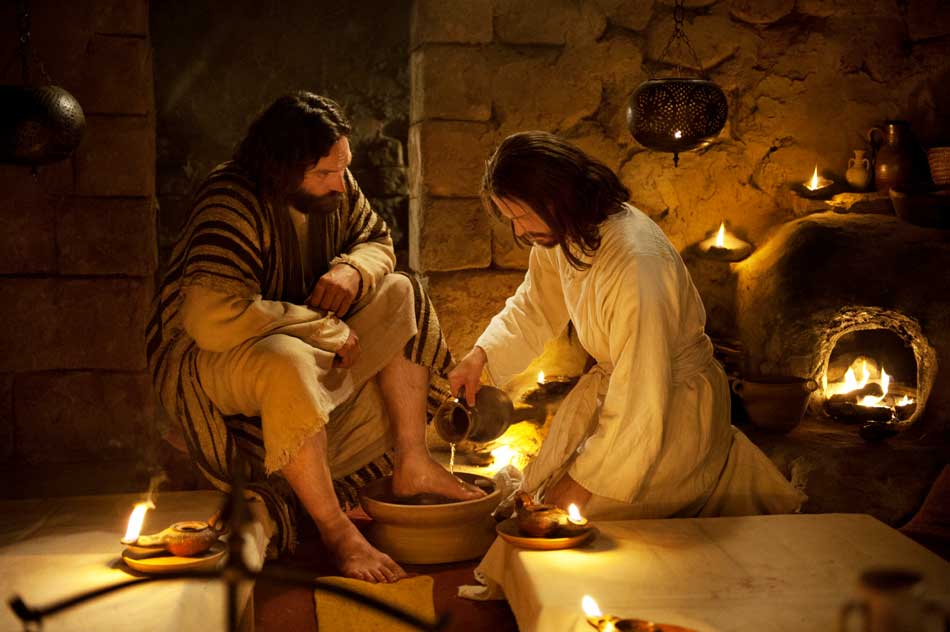Last Supper Jesus Washes Peters Feet 950px
